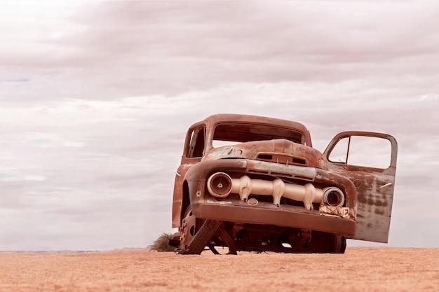 Abandonné, vieille voiture de solitaire, namibie
