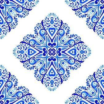 Abstrait bleu et blanc dessiné à la main motif de peinture aquarelle ornementale transparente.