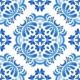 Abstrait bleu et blanc dessiné à la main tuile transparente motif de peinture aquarelle ornementale. conception de carreaux méditerranéens. texture