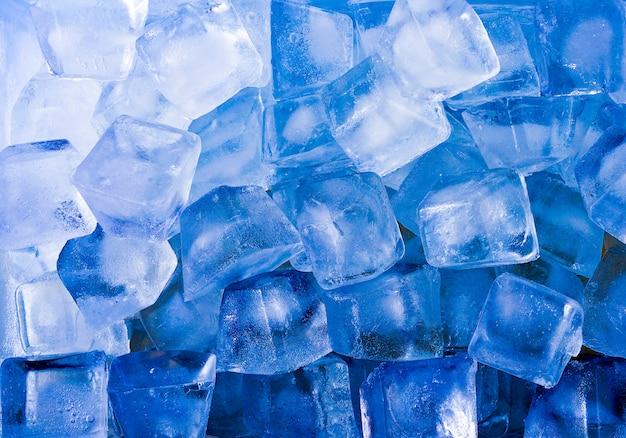 Abstrait bleu cube de glace pour un été chaud