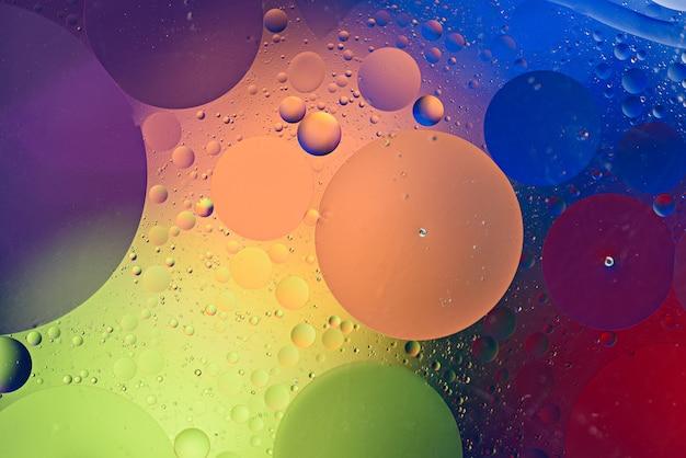 Abstrait coloré de cercles multicolores, de bulles et d'inclusions