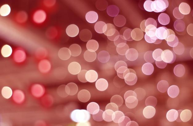 Abstrait flou et bokeh d'éclairage décoré intérieur en dégradés de couleurs rouge et magenta