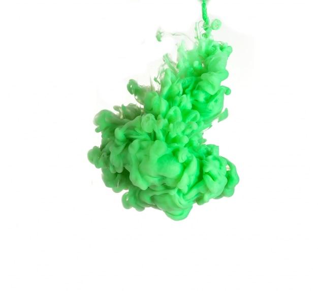 Abstrait formé par la dissolution de la couleur dans l'eau