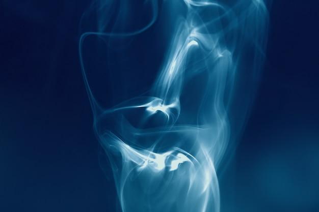Abstrait avec de la fumée en forme de crâne