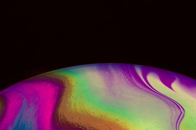 Abstrait avec une sphère violette marron et verte