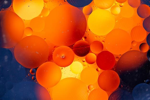 Abstrait à la suite d'un mélange d'eau et d'huile