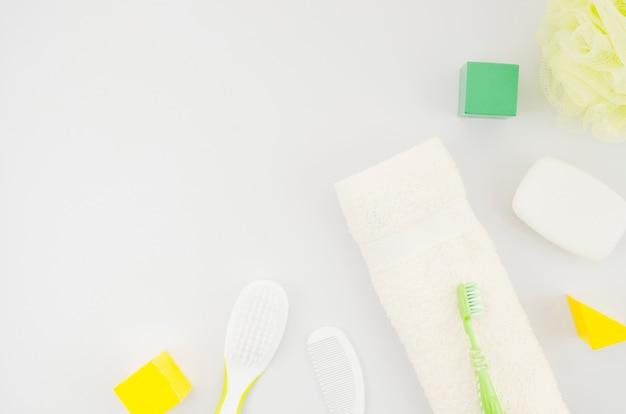 Accessoires de bain vue de dessus pour bébé