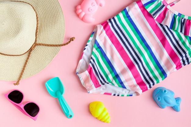 Accessoires bébé fille pour la plage