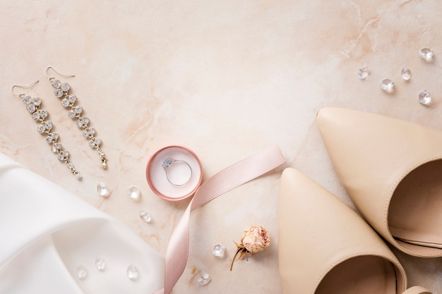 Accessoires et chaussures de mariée
