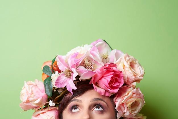Accessoires de cheveux sur la tête des modèles