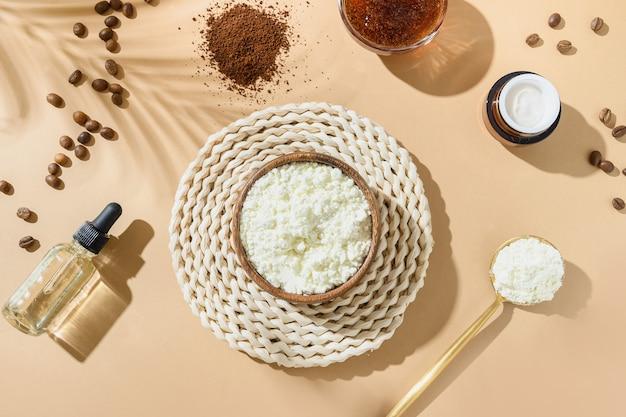 Accessoires de collagène et de spa naturel, grains de café, huile pour la peau, gommage pour la procédure anti-cellulite sur