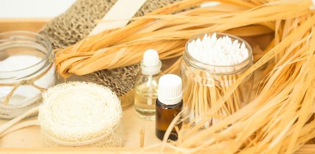 Accessoires écologiques pour les soins du corps et les spas - bast, loofah, cotons-tiges en bois