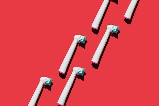 Accessoires pour brosses à dents électroniques modernes