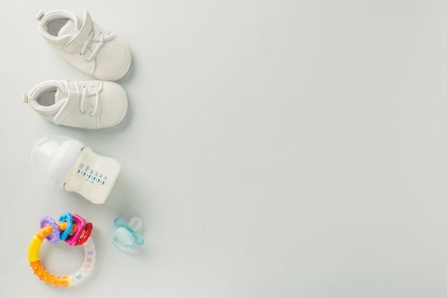 Accessoires de soins pour bébé à plat