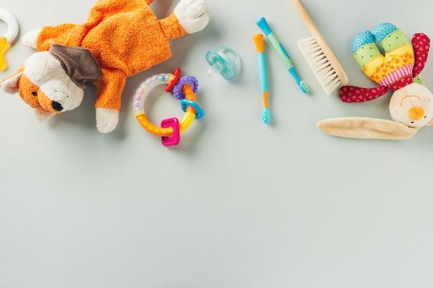 Accessoires de soins pour bébés à plat