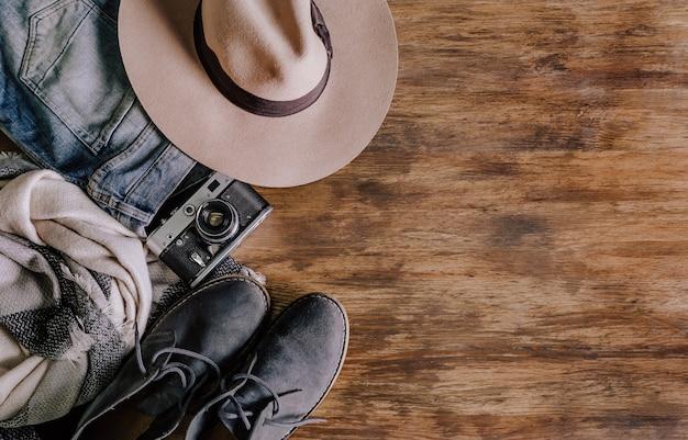 Accessoires de voyage costumes caméra jeans chaussures
