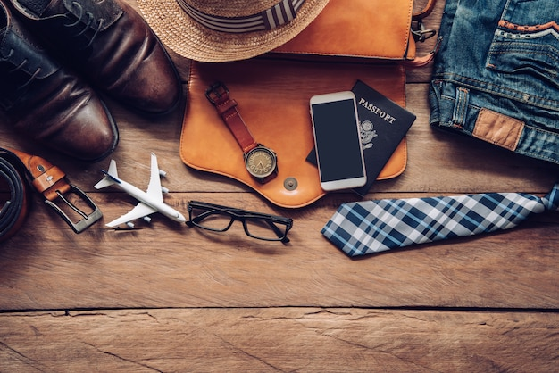Accessoires de voyage costumes. passeports, bagages, coût des cartes de voyage préparées pour le voyage