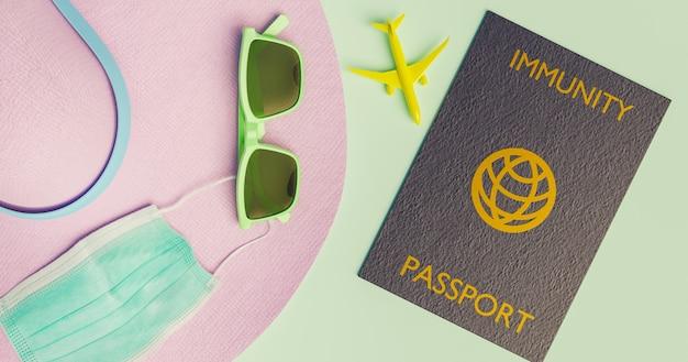 Accessoires de voyage avec masque et passeport d'immunité covid