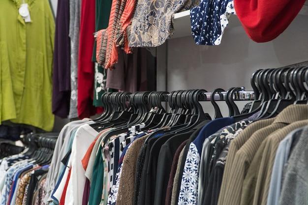 Achetez des vêtements d'été pour femmes. vêtements d'extérieur de boutique