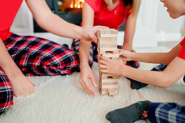 Activités à la maison pour les familles et les enfants.