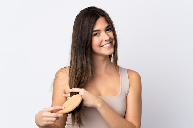 Adolescente brésilienne avec peigne à cheveux