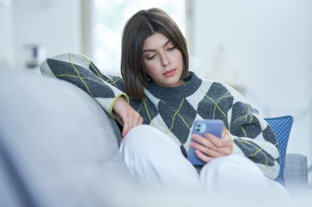 Adolescente, textos à la maison