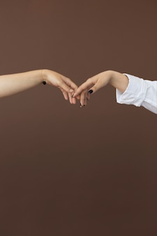 Adolescents, toucher, mains, gros plan