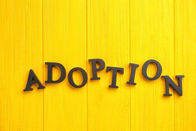 Adoption de mot sur bois de couleur