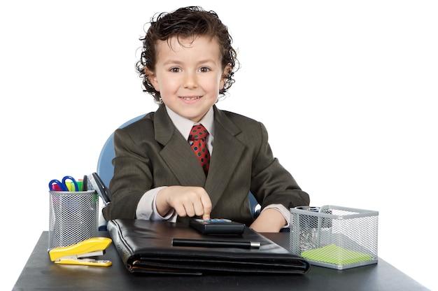 Adorable futur homme d'affaires