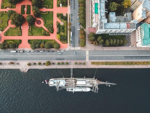 Aerialphoto vintage frégate voilier. saint-pétersbourg, russie. flatley