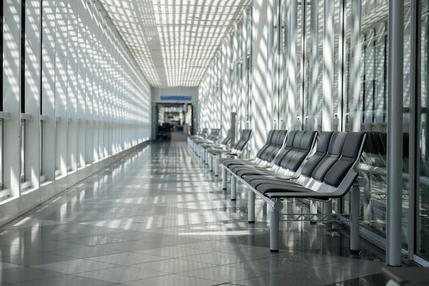 Aéroport, salle d'attente, espace voyageurs