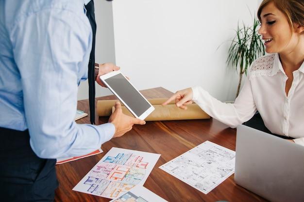 Affaires immobilières avec tablette