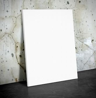 Affiche de papier blanc vierge sur le mur de béton de fissure et plancher de ciment noir