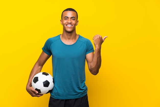 Afro-américain, joueur football, pointage