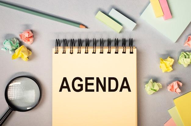 Agenda word. concept d'ordre important et d'affaires lors de la réunion.