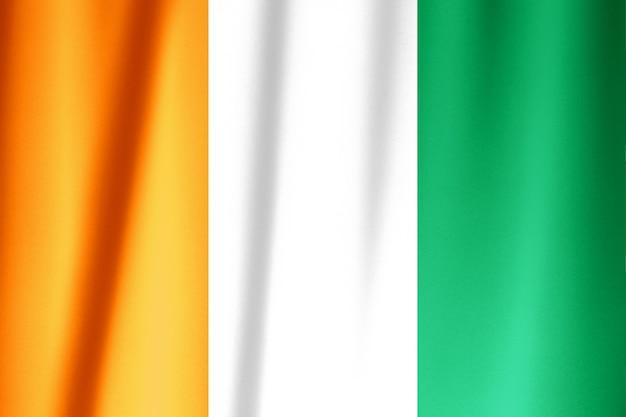 Agitant le drapeau du drapeau côte d'ivoire