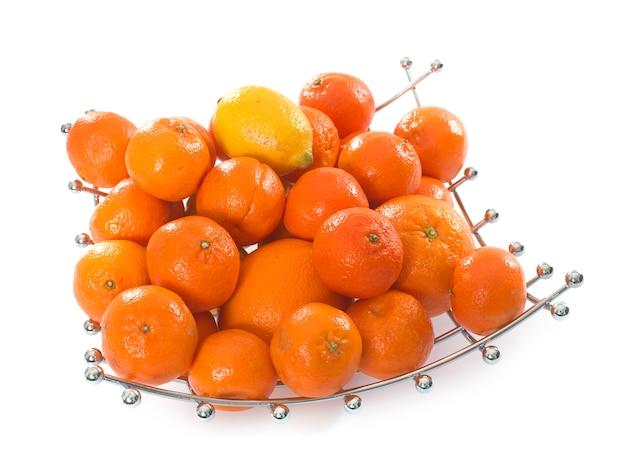 Agrumes dans un bol de fruits