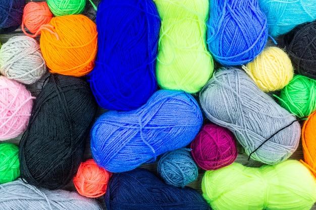 Aiguilles à tricoter avec un ballon