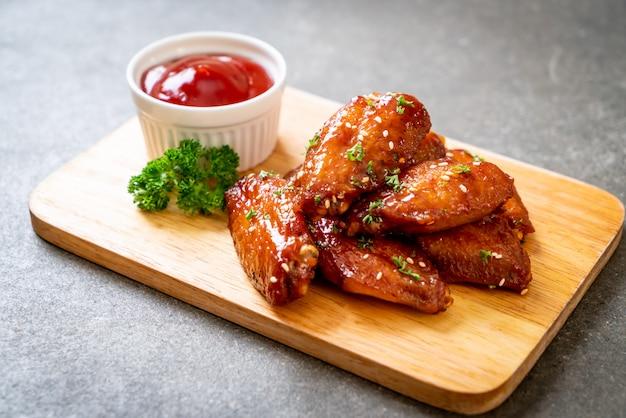 Ailes de poulet barbecue au sésame blanc