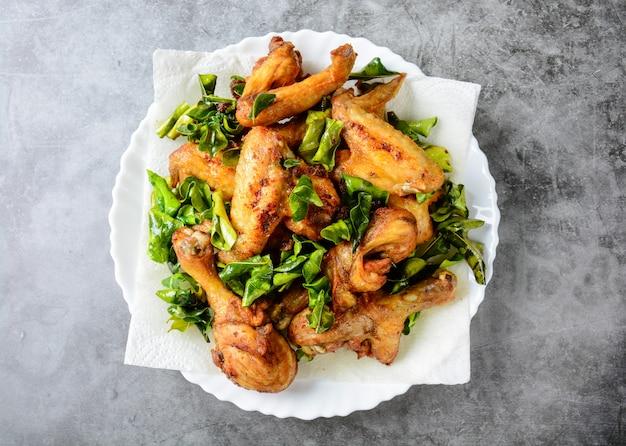 Ailes de poulet croustillantes aux herbes