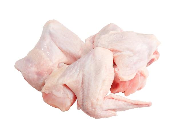 Ailes de poulet cru isolées