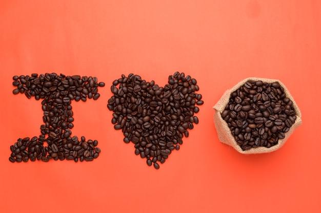 Aimer boire du café pour augmenter l'énergie