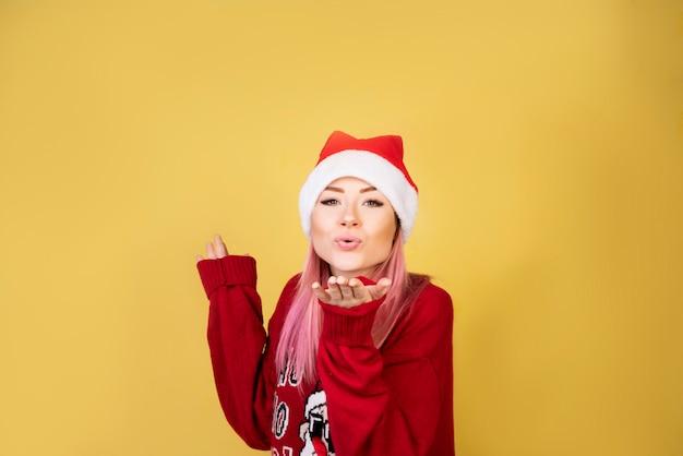 Air, baiser, fille, à, costume santa rouge 2