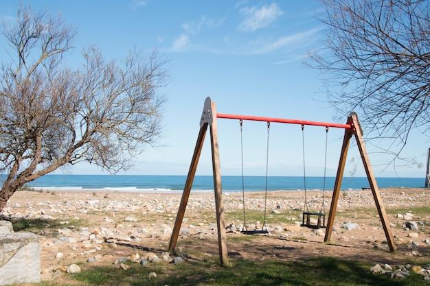 Aire de jeux près de la plage