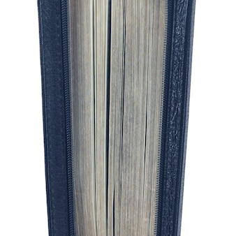 Ajar dresse la bible sur un fond blanc. livres de sagesse fermés mystère