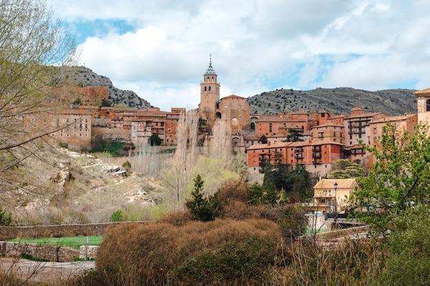 Albarracin une petite ville médiévale située à teruel en espagne