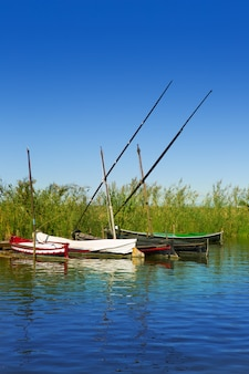 Albufera channel boats à el palmar de valence