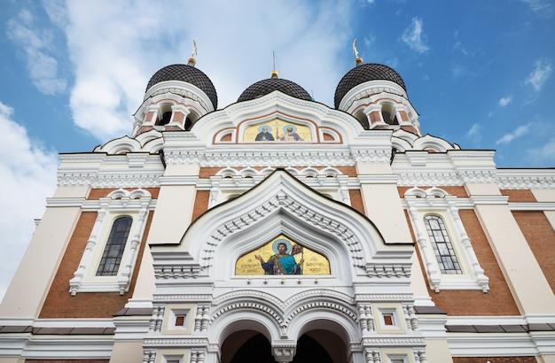 Alexander nevsky cathédrale dans la ville médiévale de tallinn, estonie.