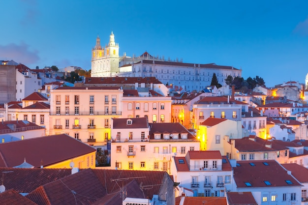 Alfama la nuit, lisbonne, portugal