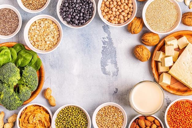 Alimentation végétalienne saine, sources de protéines végétales. vue de dessus.